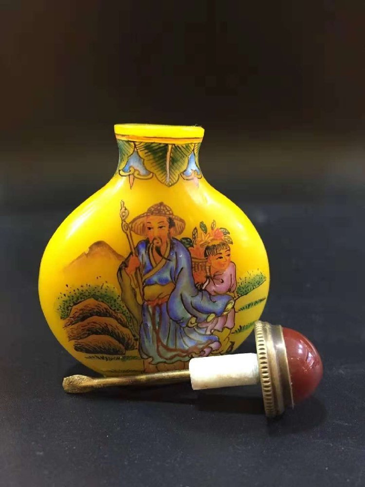 Hand-painted snuff bottle with glass sleeve - 2