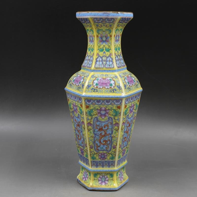 Hexagonal vase with gold-covered pattern in enamel p