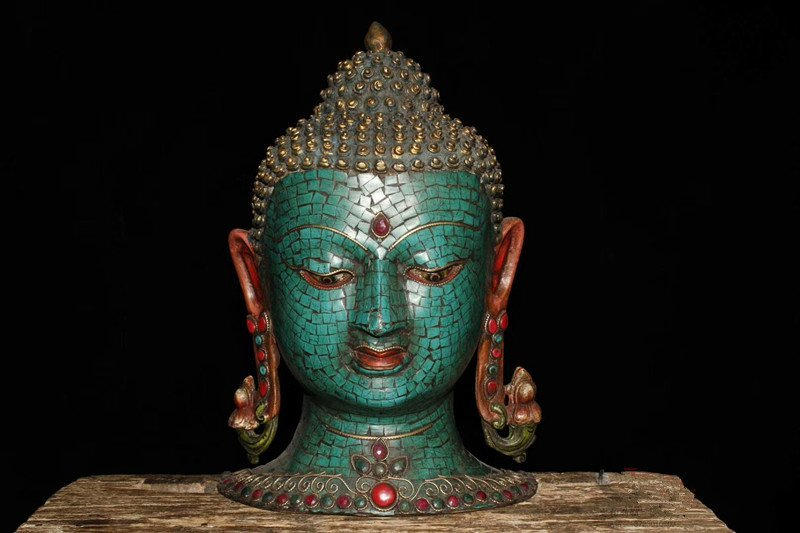 Tibetan monasteries offer and receive pure copper