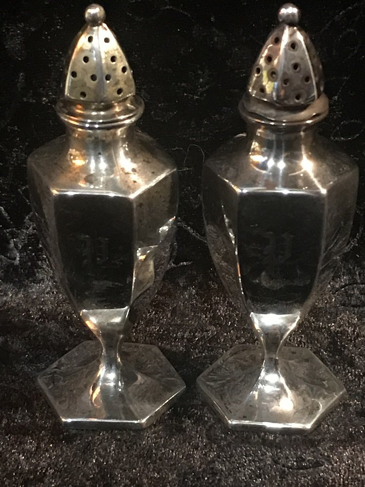Sterling Silver Salt & Pepper Shakers - Approx 46 grams