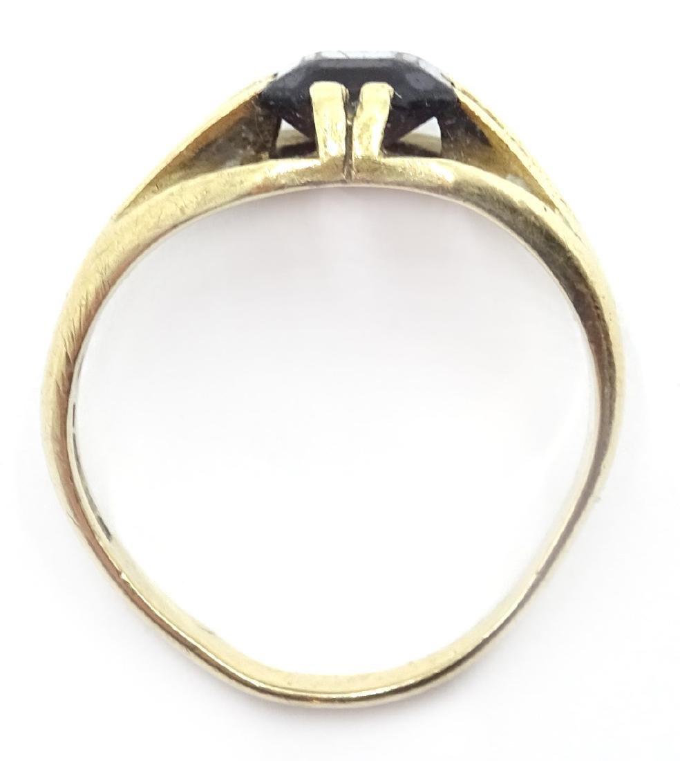 9ct gold garnet set ring hallmarked - 4