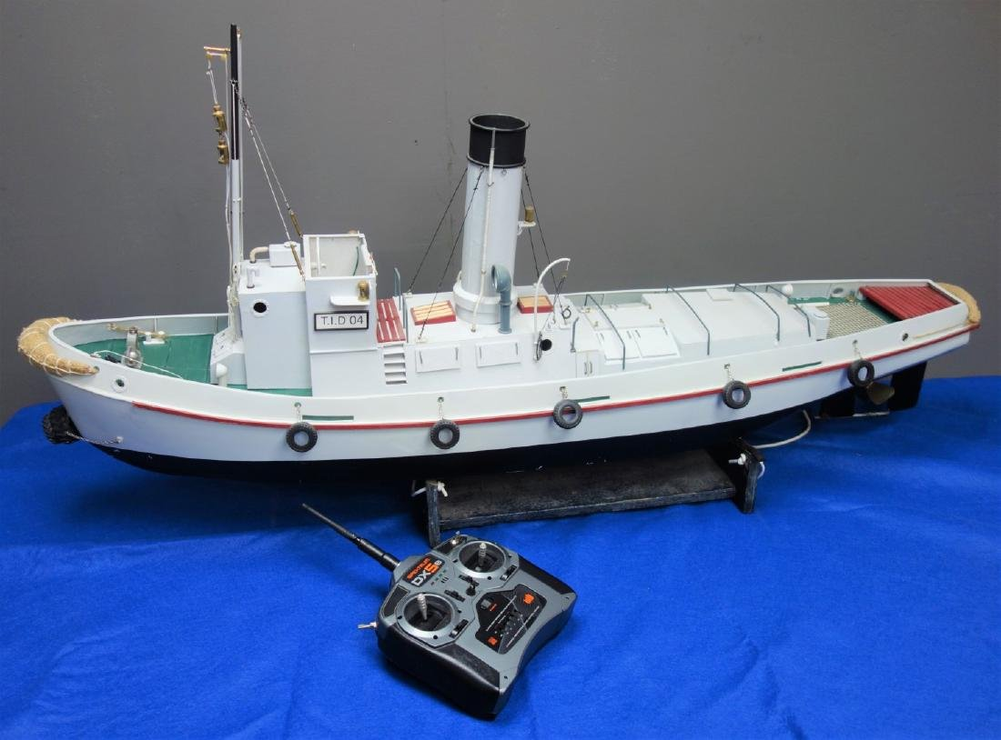 Radio Controlled scale model of the T.I.D 04, belt