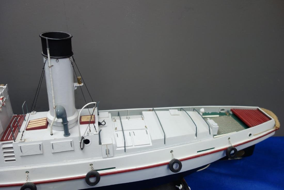 Radio Controlled scale model of the T.I.D 04, belt - 3