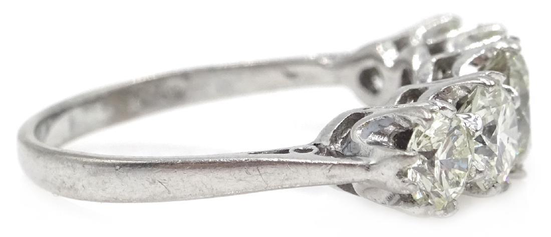 Graduating five stone diamond white gold ring, - 3