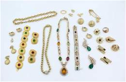 Lot: Vintage Rhinestone Costume Jewelry