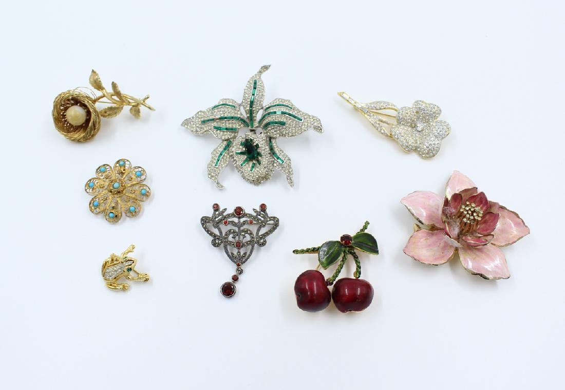 Lot: Signed Designer Brooches