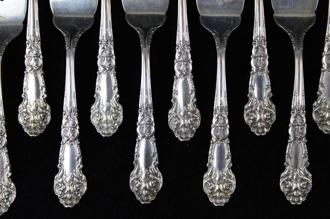 109 pcs. Reed & Barton sterling silver flatware - 4