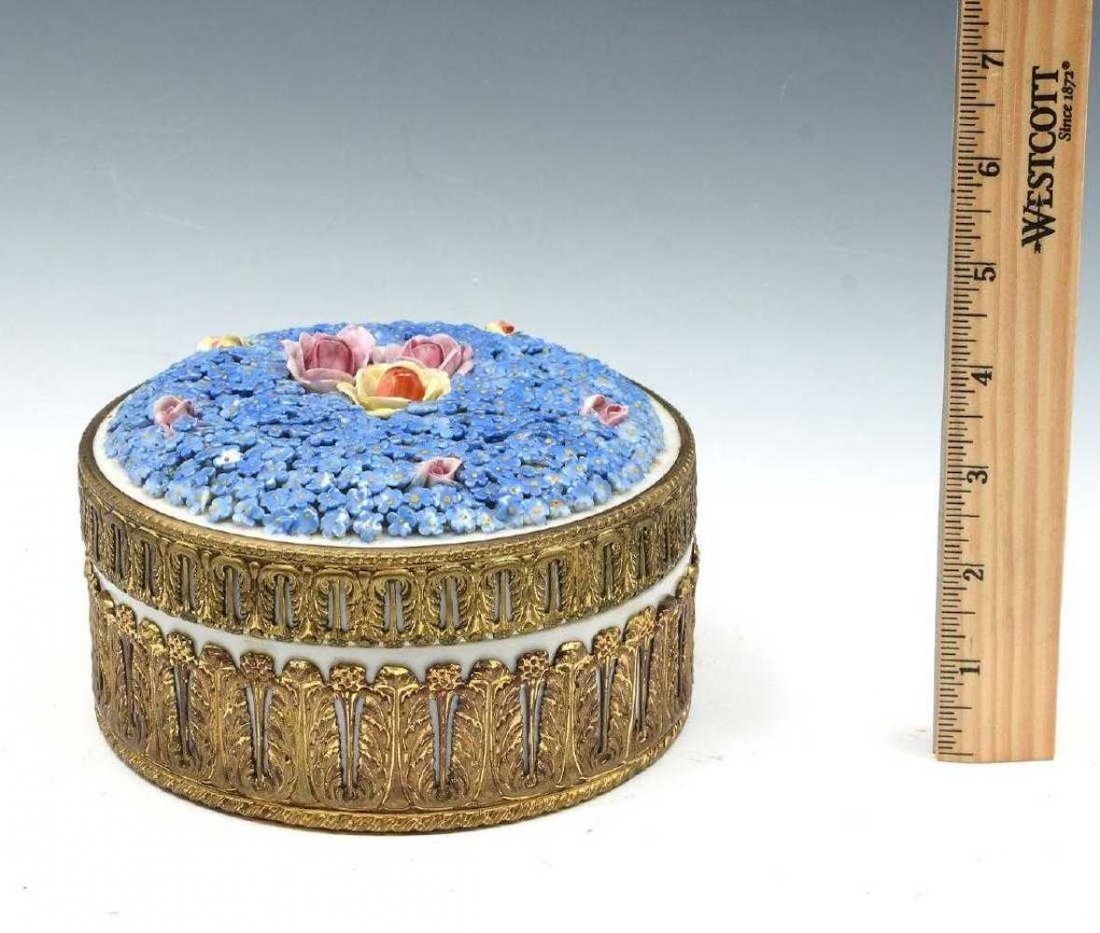 Decorated Porcelain Covered Forget-Me-Not Porcelain Box - 4