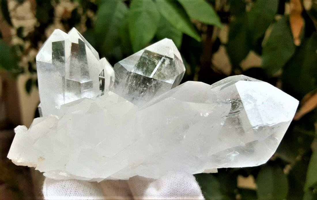 300 Grams Natural Fedan Quartz Crystals
