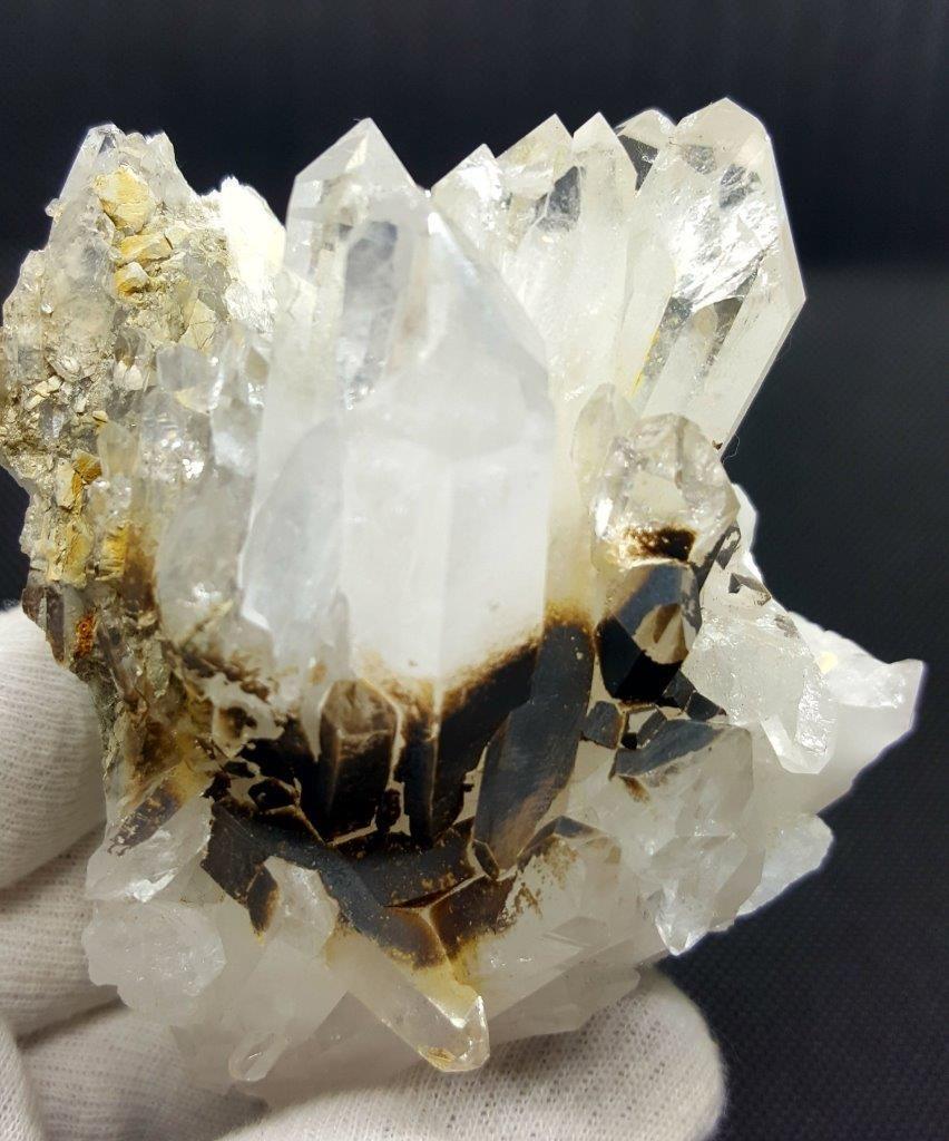 366 Grams Natural Fedan Quartz Crystals