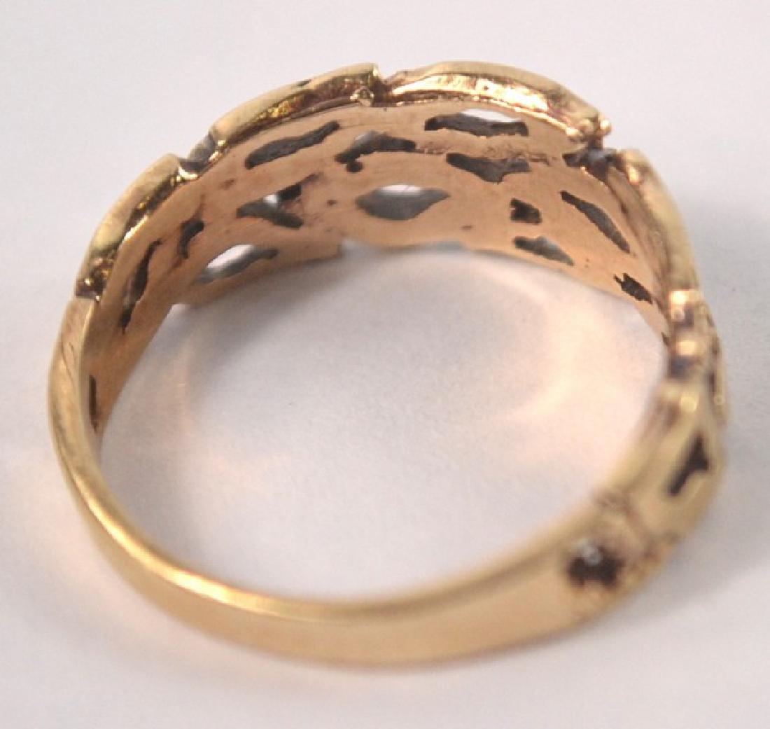 9ct gold pierced design ring - 2