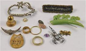Selection of vintage costume jewellery to include