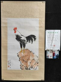 A CHINESE HAND-PAINTED HANGING SCROLL ROOSTER PAINTING