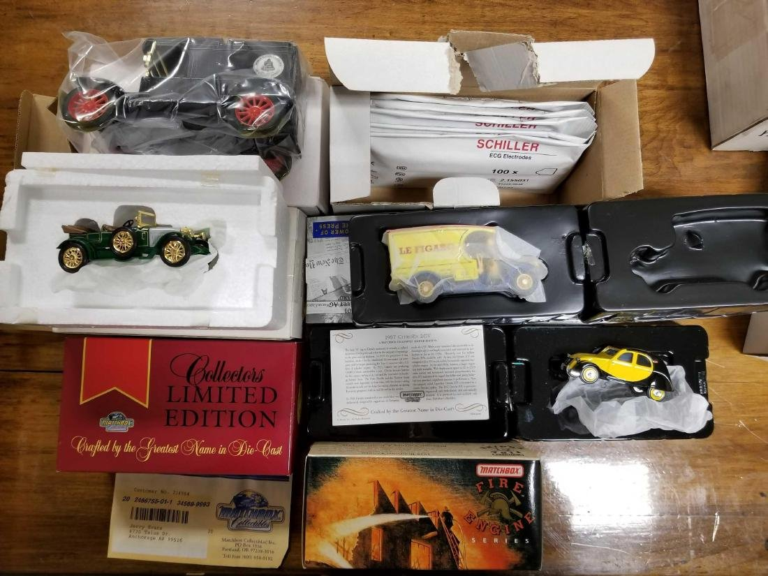 Lot of 6 die cast collectors cars
