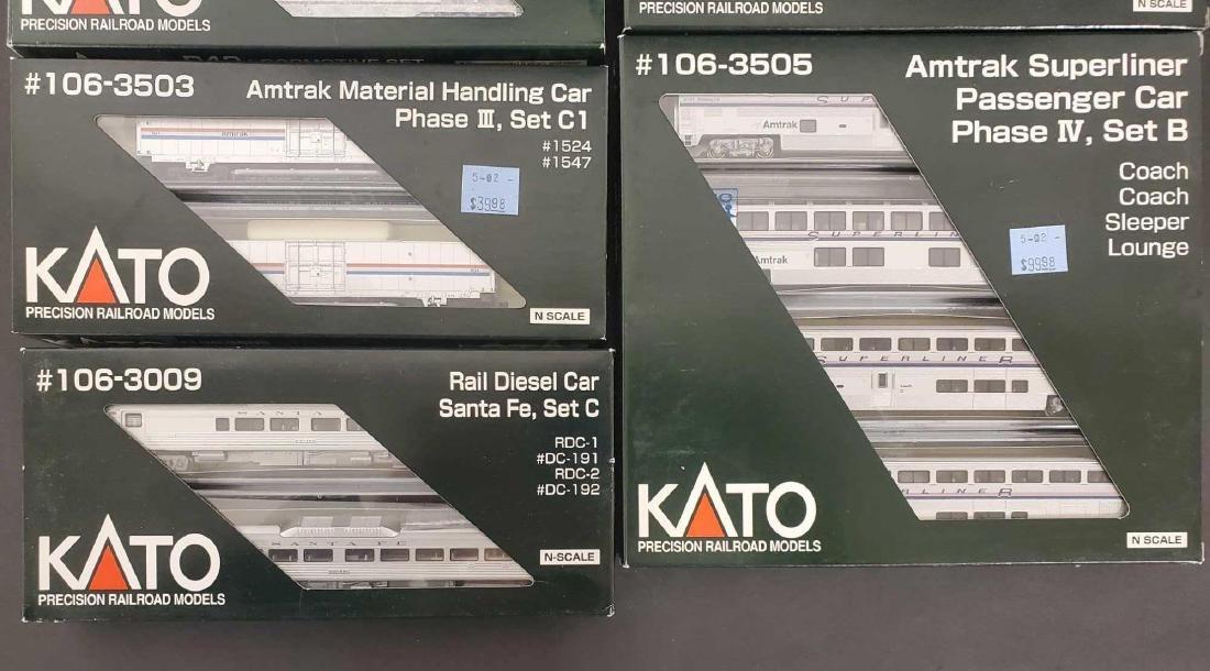 Large lot of Kato Railroad train set models - 4