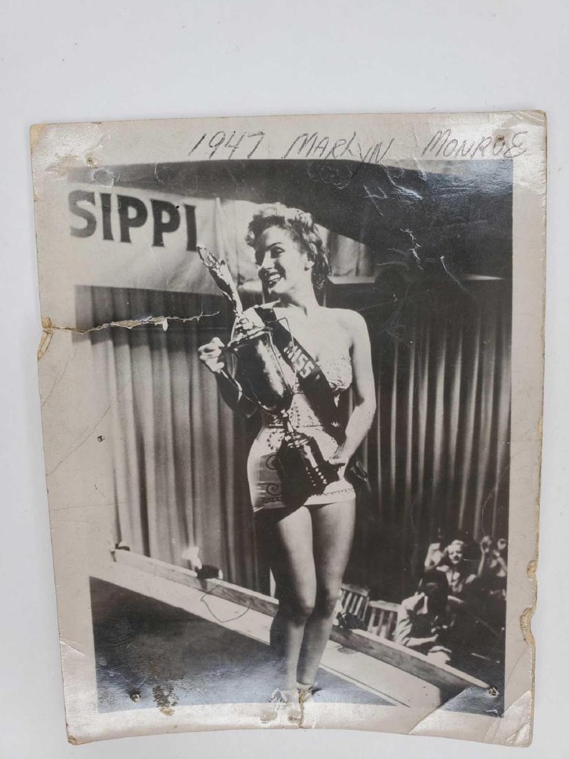 Original Marilyn Monroe photograph circa 1947