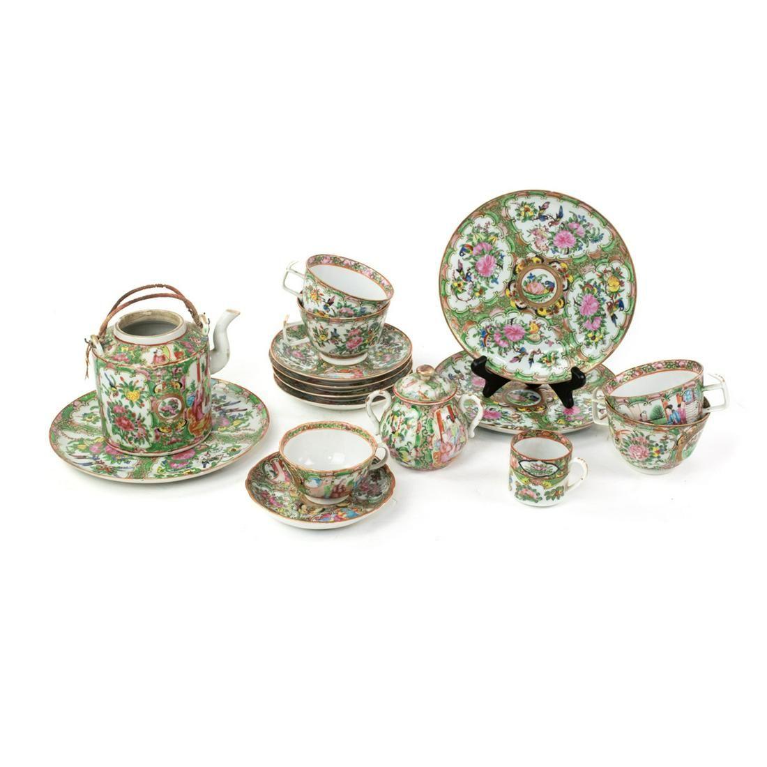 16 Pcs Chinese Export Rose Medallion Porcelain
