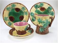 Etruscan Majolica lot of 4 bamboo pieces, 2 plates,