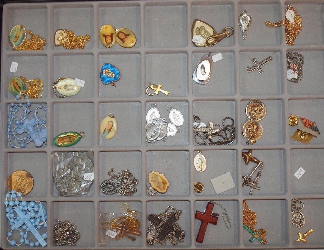 Lot of religious jewelry