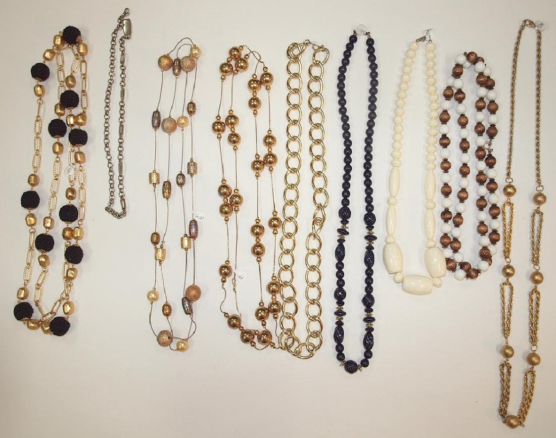 Lot of 9 neckalces