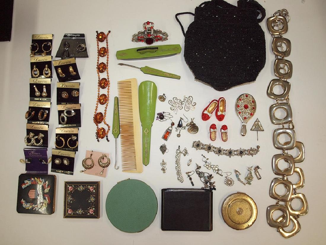Lot of assorted jewelry and dresser items