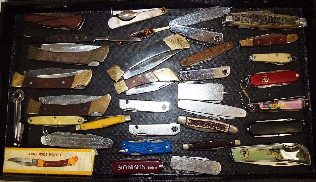 Lot of 30+ pocket knives