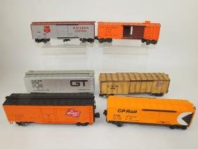 Lionel lot of 6 train cars