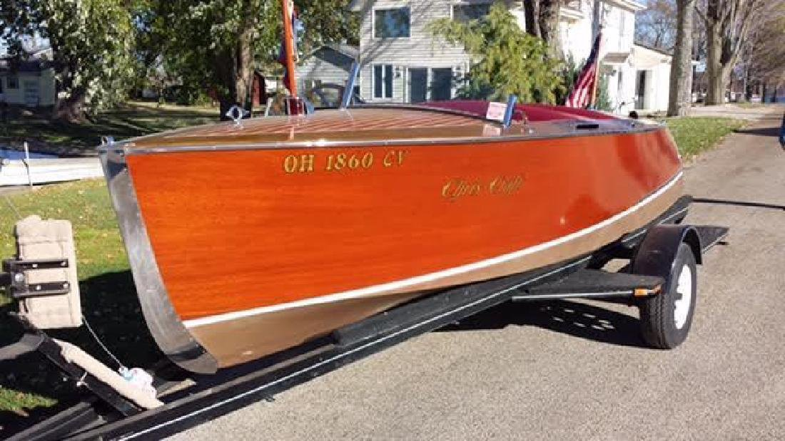 1937 Chris Craft 17' deluxe Runabout, semi barrel back,