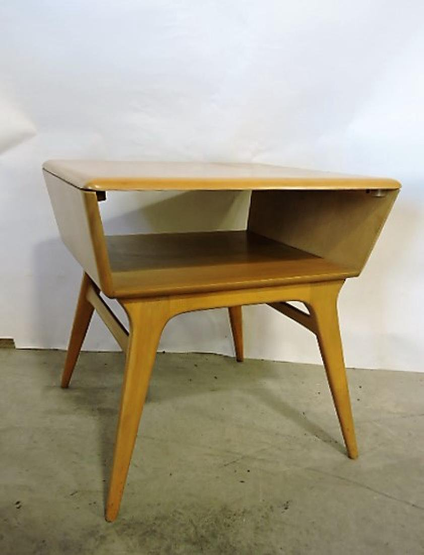 "Heywood Wakefield Mid Century Modern end table 26""h,"