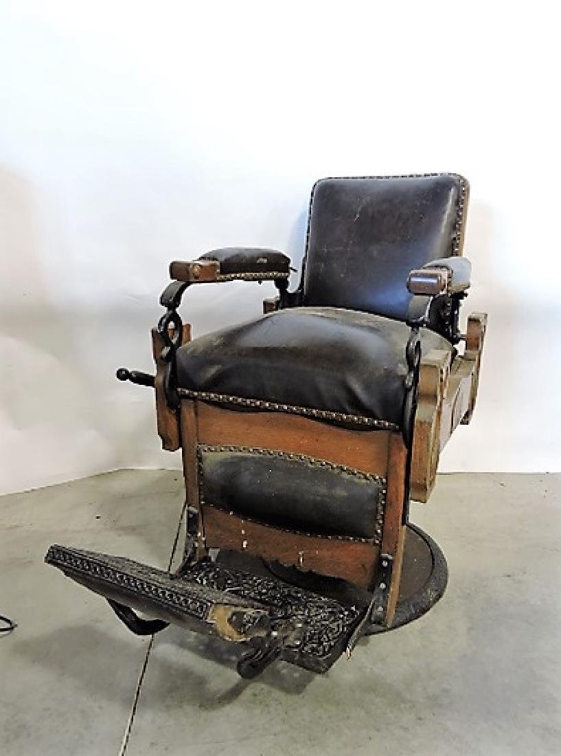 Kuken early oak barber chair