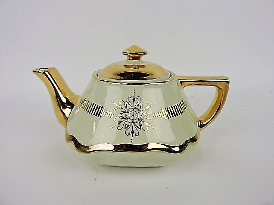 Hall China teapot, ivory Baltimore with