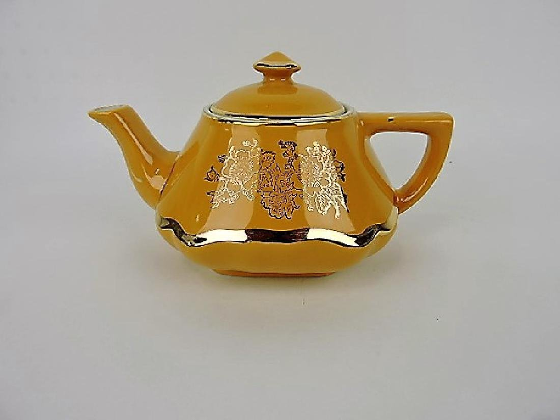 Hall China teapot, yellow Baltimore with