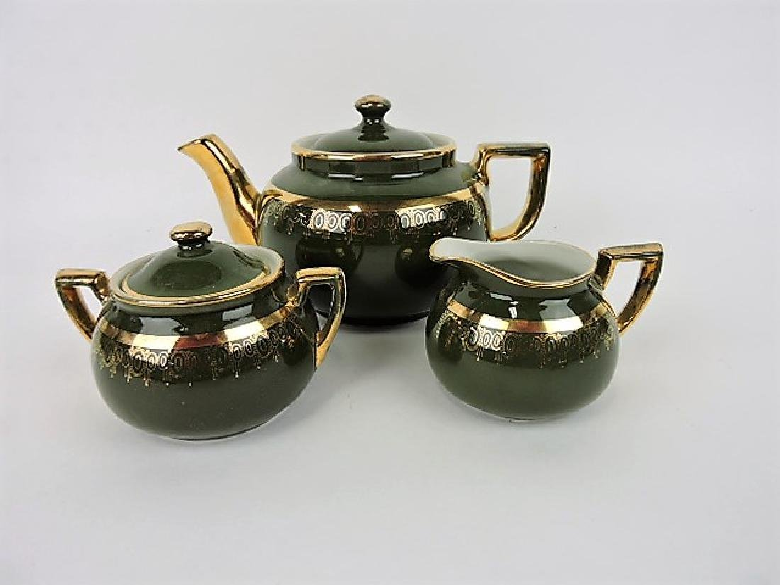 Hall China teapot, Boston stock green with gold,