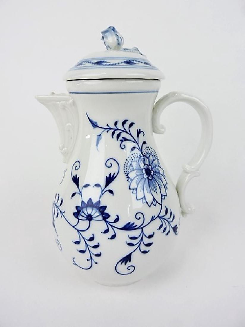 """Meissen Blue Onion coffee pot 10 1/2"""""""