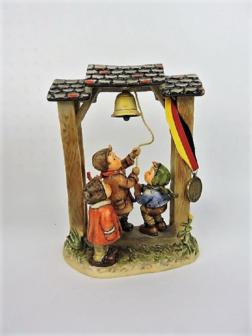 """Hummels Let's Tell The World, #487, 1990, 10 1/2"""""""
