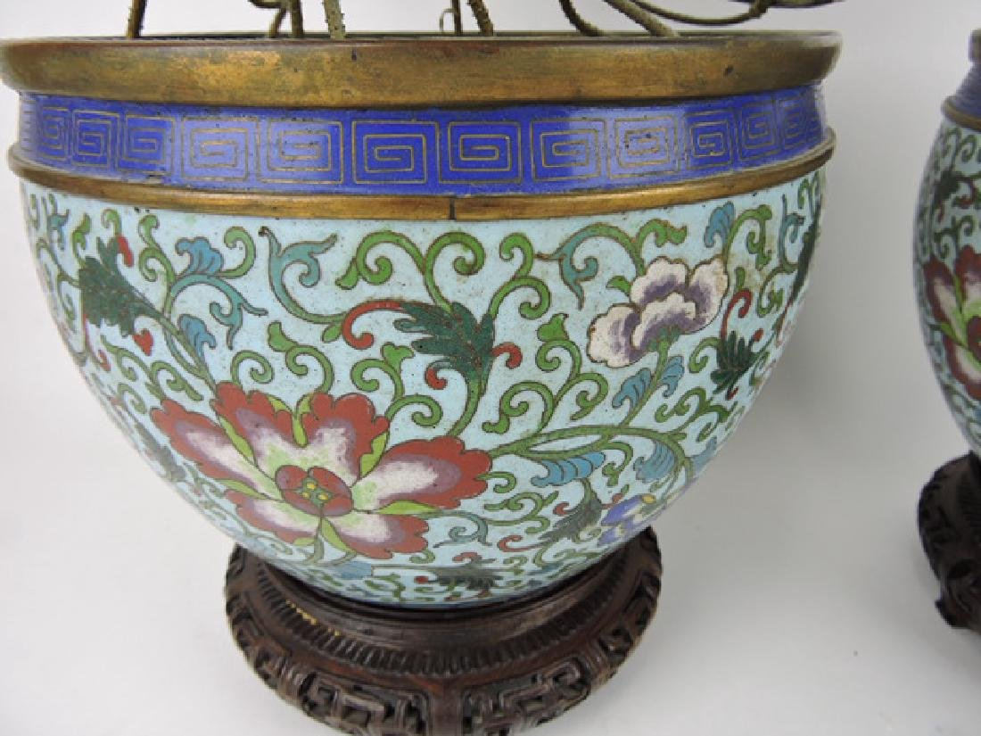 Yung-Chen Dynasty pair of Chinese Cloisonne urns - 2