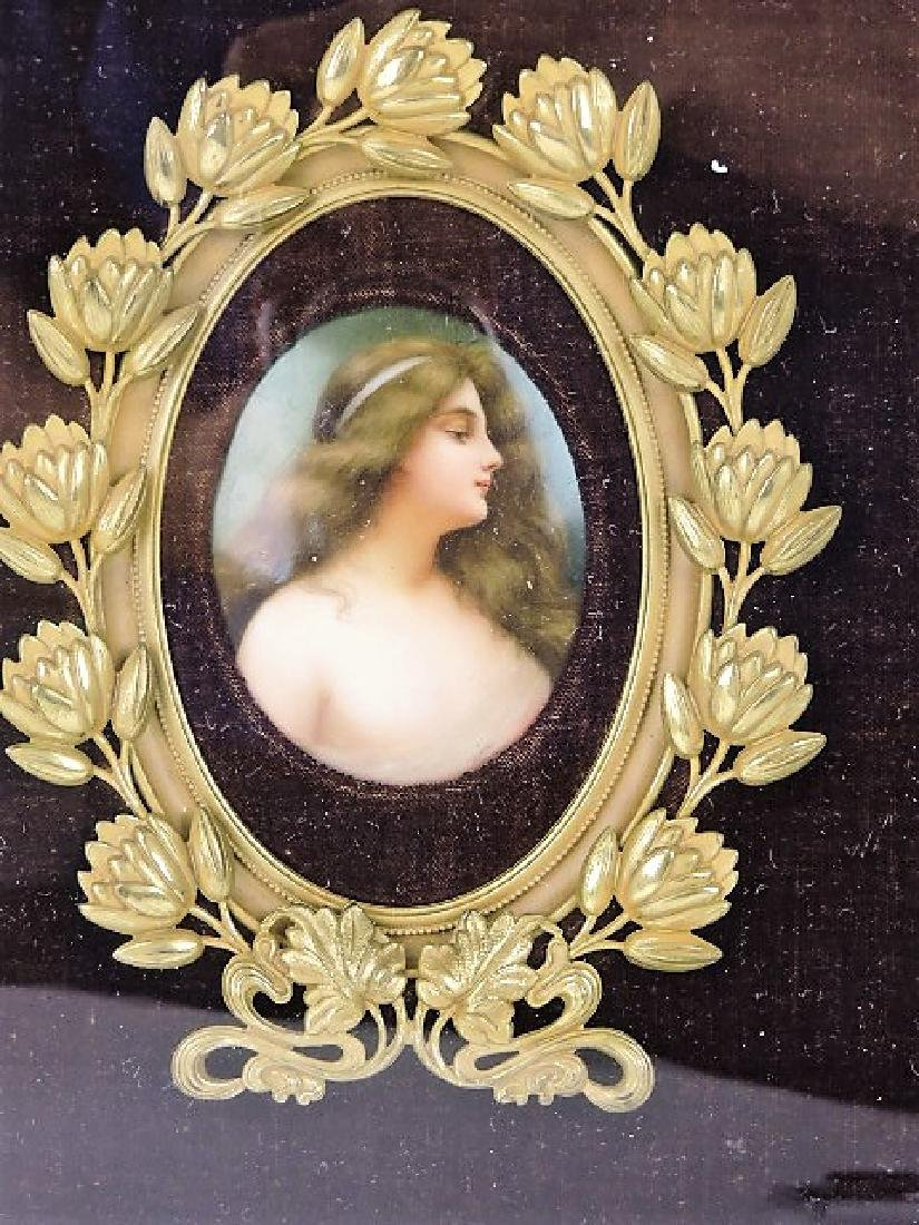 Hutchenruther porcelain portrait plaque signed - 2