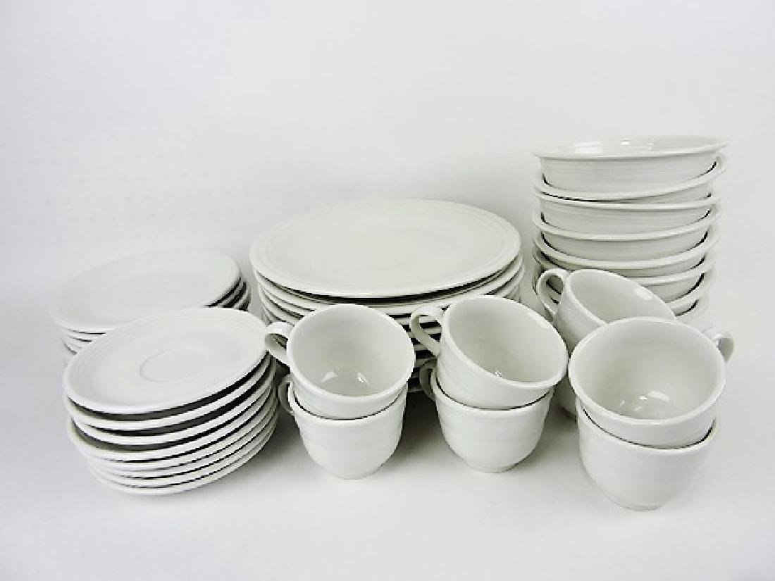 Fiesta Post 86 white 8 - 5 pc place settings,