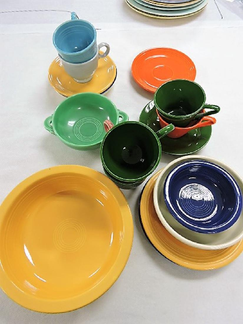 Fiesta and related lot of 18 pieces
