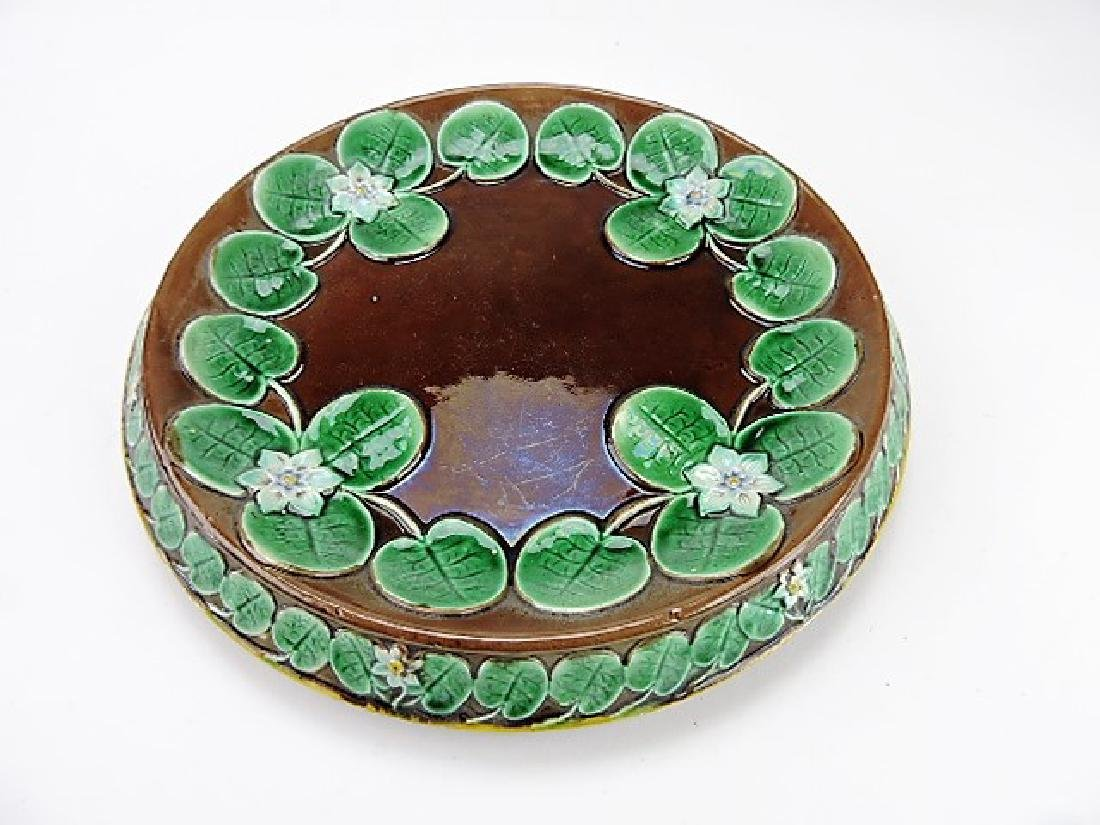 Majolica pond lily round platter, chip to base