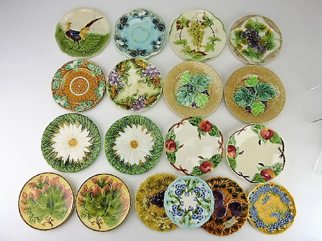 Majolica lot of 18 plates, various condition