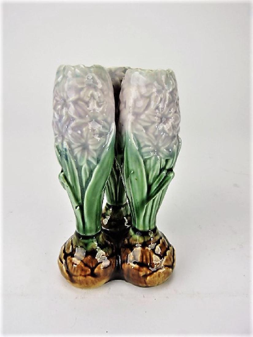 """Majolica triple hole bud vase, 4 3/4"""""""