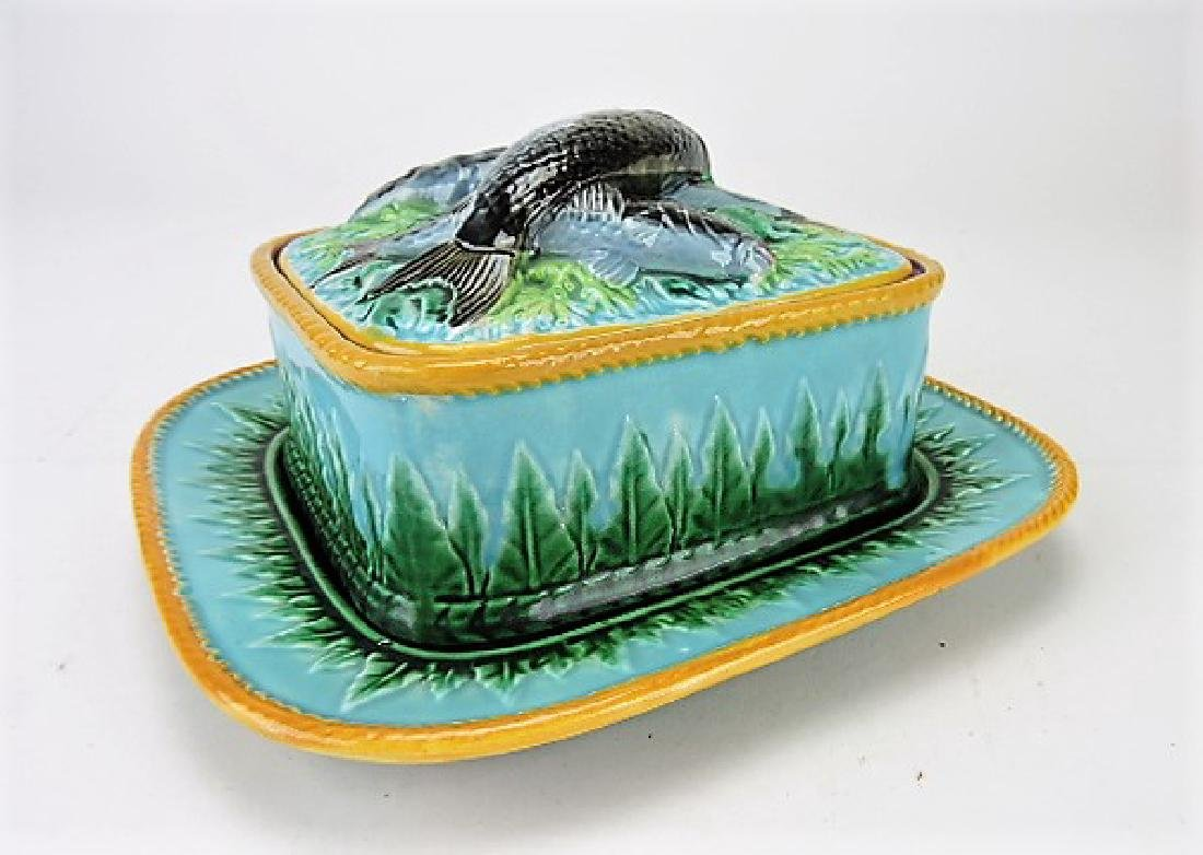 George Jones majolica acanthus leaf sardine box