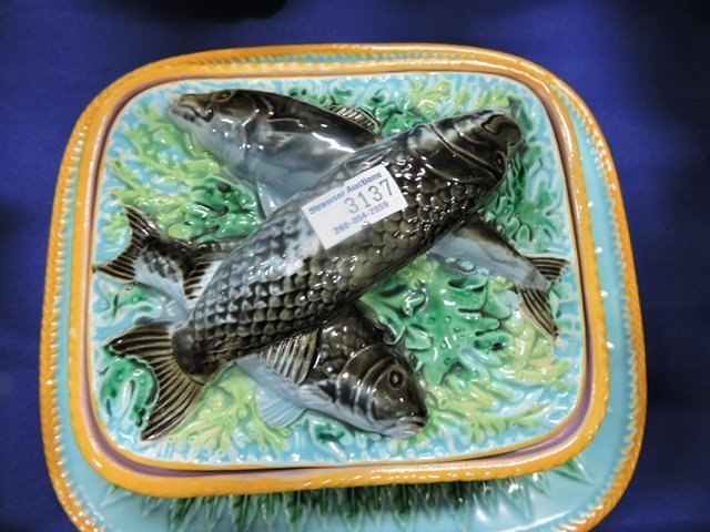 George Jones majolica acanthus leaf sardine box - 2