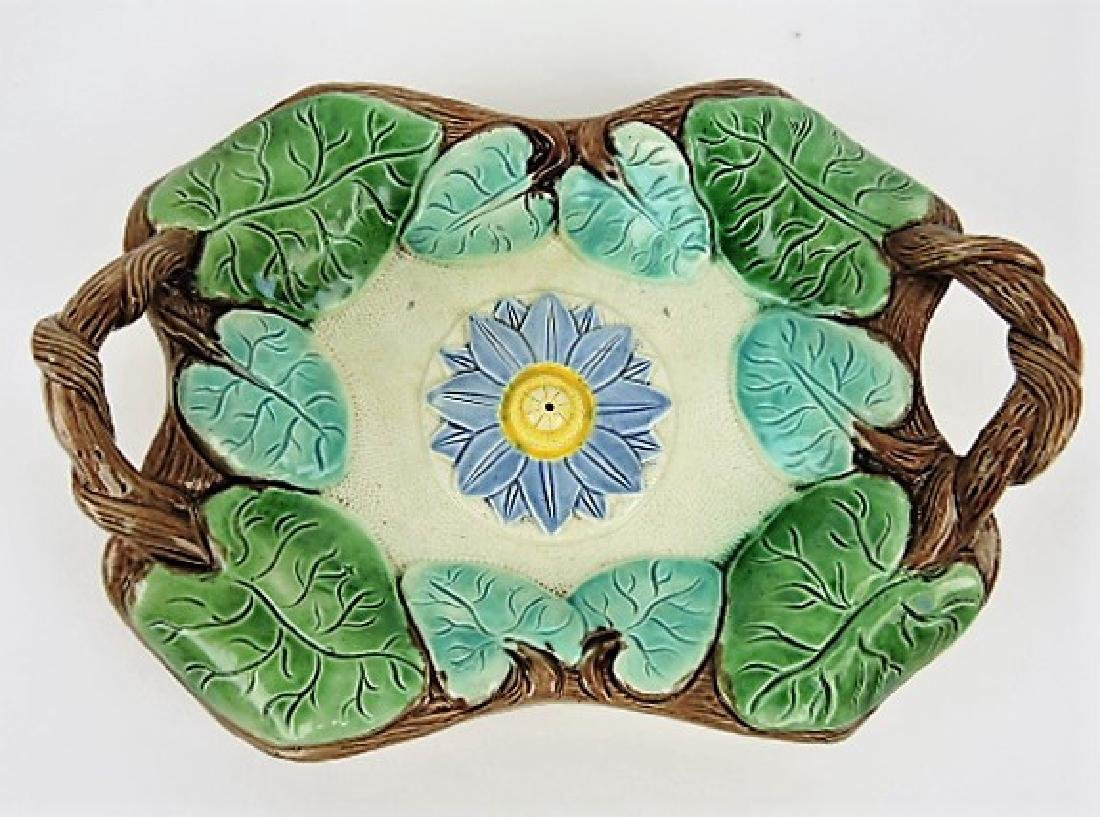 Majolica pond lily platter with lavender center