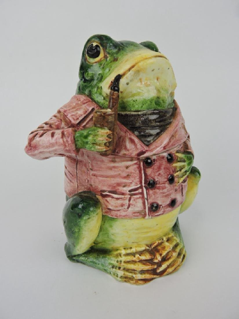 Majolica figural humidor of frog with red