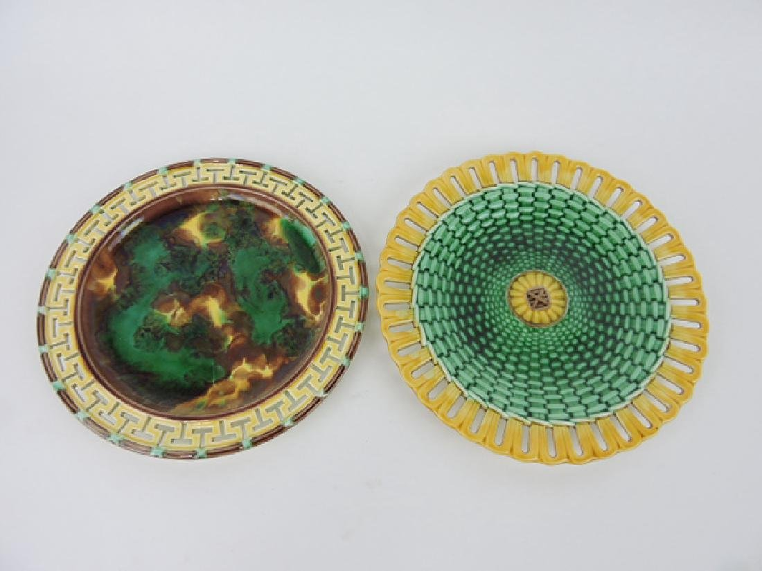 Wedgwood majolica lot of 2 plates with