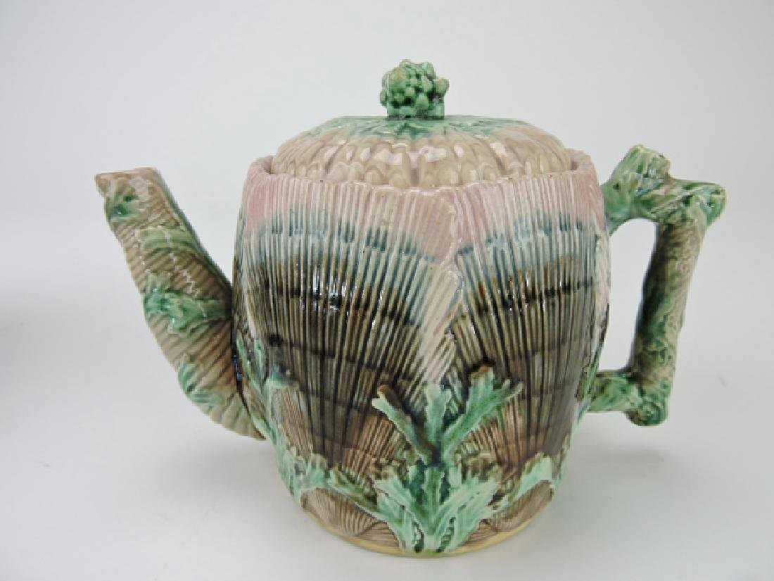 Etruscan majolica shell and seaweed straight spout