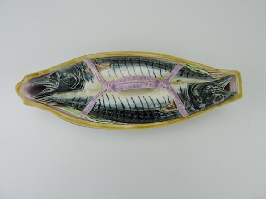 Thomas Forester majolica fish tureen with ribbon - 2