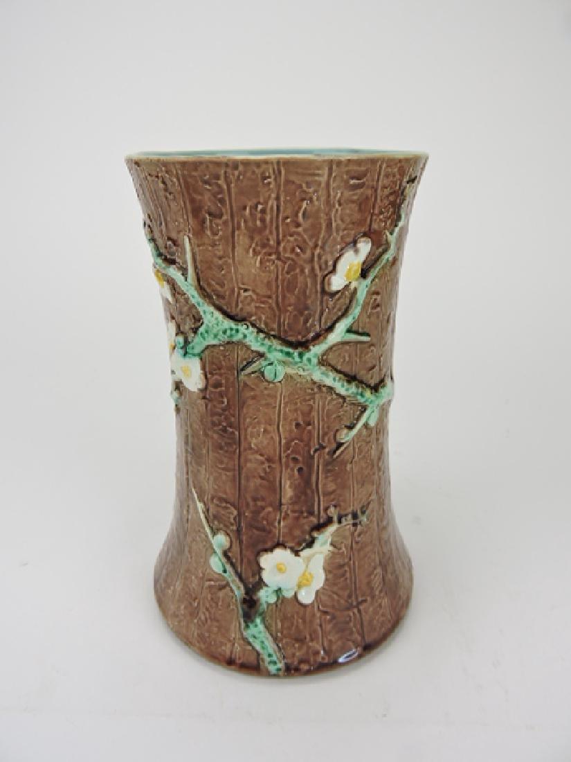 Holdcroft majolica dogwood celery vase, minor
